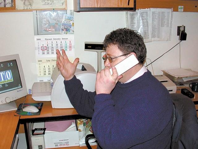 Nieudane próby połączenia się z Paczkowem irytują również reporterów NTO.