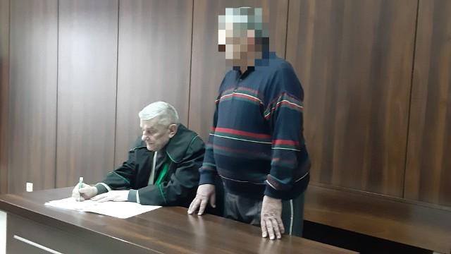 Wiktor M. chciał dobrowolnie poddać się karze. Sąd zgodził się na to.