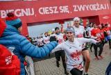 Bieg Niepodległości z PKO Bankiem Polskim. Zawodnicy pamiętają o potrzebujących, dla których prosty gest wsparcia wiele znaczy
