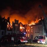 Dwa zabytkowe pałace spłonęły jednego dnia. Sprawę bada policja (zdjęcia)