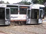 Przewrócił się tramwaj nr 9 na Placu Gałczyńskiego. Wagon zablokował tory. Będą opóźnienia