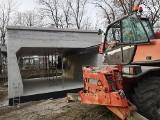 Widać już pierwsze konstrukcje na trasie na Nowy Dwór! (ZDJĘCIA)