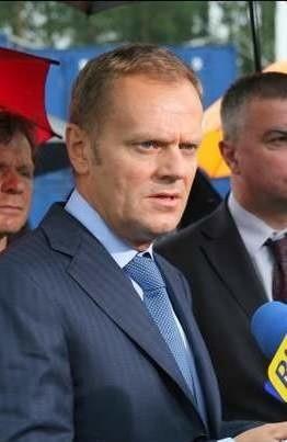 Premier Donald Tusk przyjął dymisje kolejnych ministrów swojego rządu oraz zapowiedział odwołanie szefa CBA