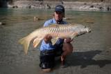 Jak wygląda polowanie z wędką na ryby - olbrzymy w Nepalu?