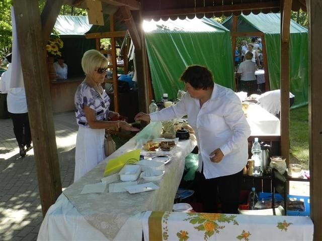 Kresowiacy modlili się, słuchali muzyki i jedli tradycyjne potrawy.