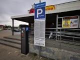 Chrzanów. Parkomaty przy supermarketach Biedronka w Chrzanowie mają ułatwić życie klientom