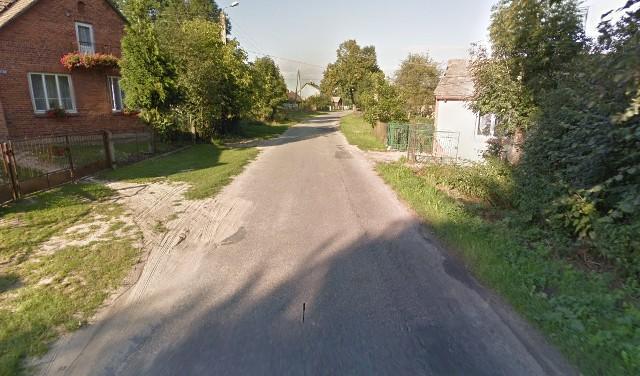 Remont obejmie odcinek 600 metrów drogi w Wólce Polickiej. Będzie nowa nawierzchnia i pobocza.
