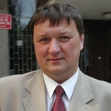 Eugeniusz Muszyc zarzuca spółdzielni niegospodarność prowadzącą do utraty 700 tys. zł.