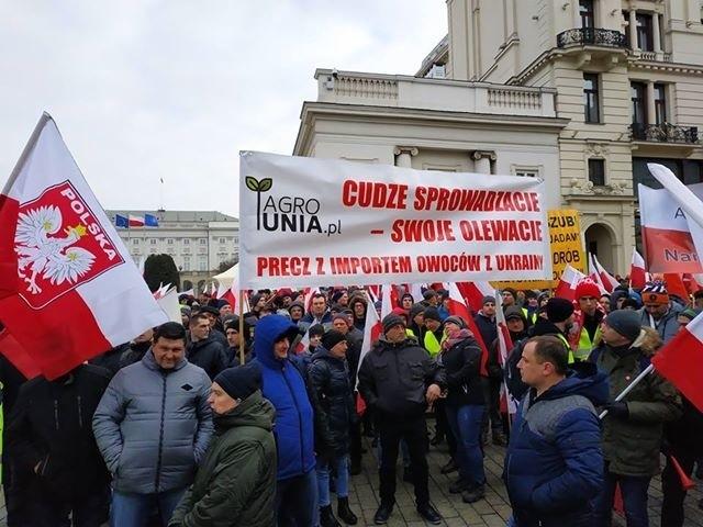 """W stolicy trwa protest rolników pod nazwą """"Oblężenie..."""