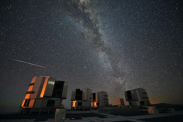 Perseidy w nocy z 12 na 13 sierpnia mają swoje maksimum. Podpowiadamy kiedy i jak najlepiej je obserwować.