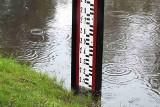 Nadal wysoki poziom wody w Kamiennej! W poniedziałek w Wąchocku i Brodach Iłżeckich stany ostrzegawcze