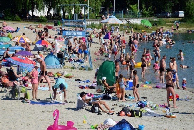 W czasie wakacji na plażę w Przyjezierzu dojedziemy także autobusami KPTS