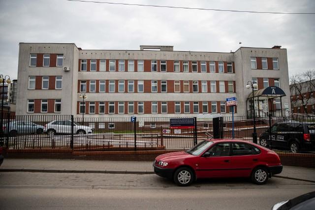 Szpital w Łomży w pierwszej kolejności będzie przyjmował pacjentów z koronawiusem. Gdy zabraknie miejsc, kolejni chorzy trafią do MSWiA w Białymstoku