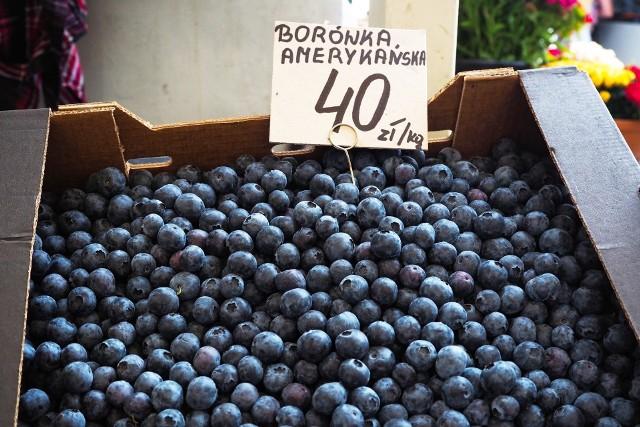 Ceny warzyw i owoców na placu w Bieńczycach