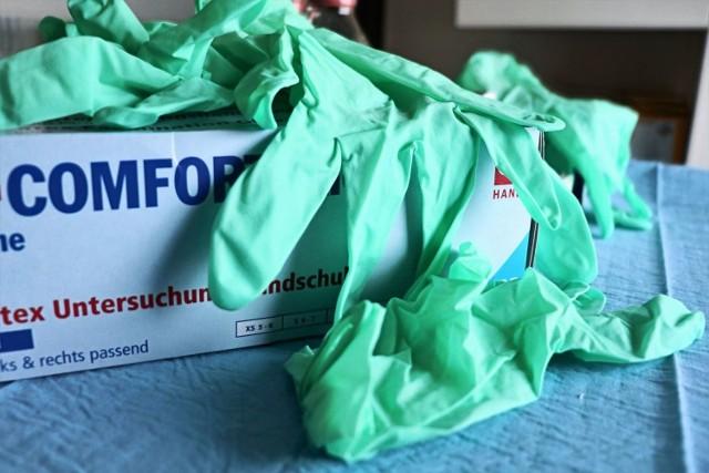 Szpital we Włocławku potrzebuje środków ochrony osobistej, w tym rękawic