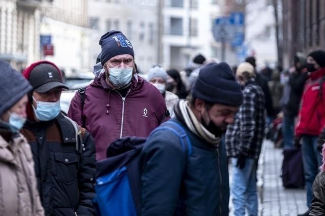 Caritas Poznań organizuję zbiórkę nowych, nieużywanych męskich zimowych kurtek oraz męskich zimowych butów dla osób bezdomnych.