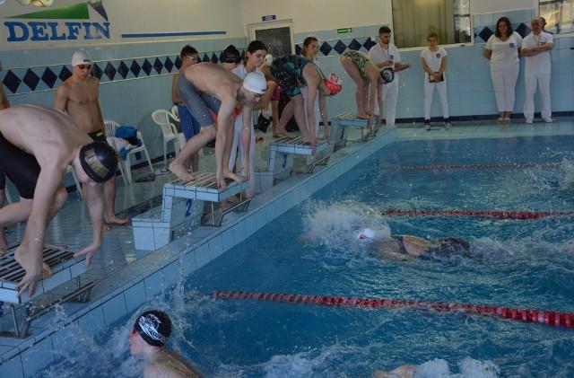 Reprezentanci sześciu spośród dziewięciu startujących klubów wywalczyli medale w trzeciej rundzie Wojewódzkiej Ligi Miast Opolszczyzny w pływaniu.
