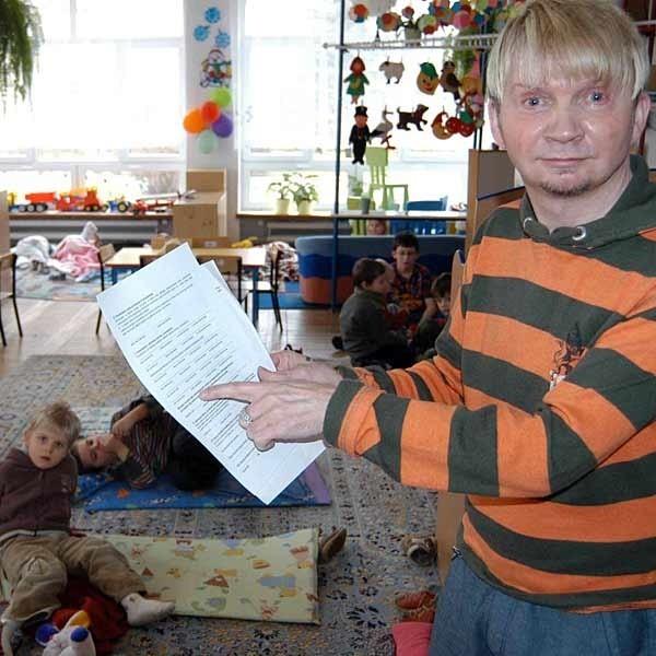 Pascal Kaas, dyrektor  Muzycznego Przedszkola nr 14 w Rzeszowie razem z przedstawicielami rodziców decyduje które dziecko przyjąć.