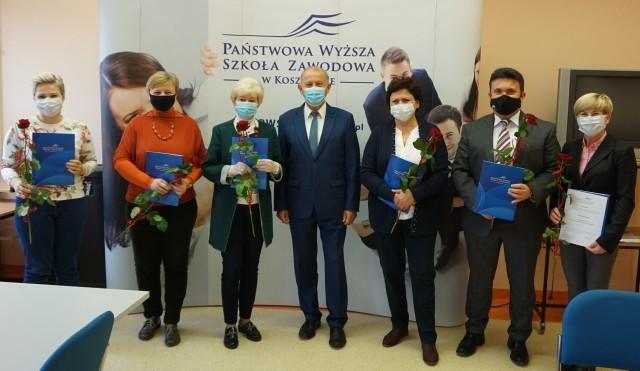Na zdjęciu: członkowie Rady Uczelni oraz Jan Kuriata, rektor PWSZ
