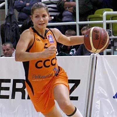 Rezerwowa rozgrywająca Anna Pietrzak udanie zastępowała pierwszego playmakera Agatę Gajdę i CCC pewnie ograło Finepharm.