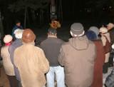 Trzy firmy chcą przenieść do kościoła krzyż nielegalnie postawiony na Młodyniu w Stalowej Woli