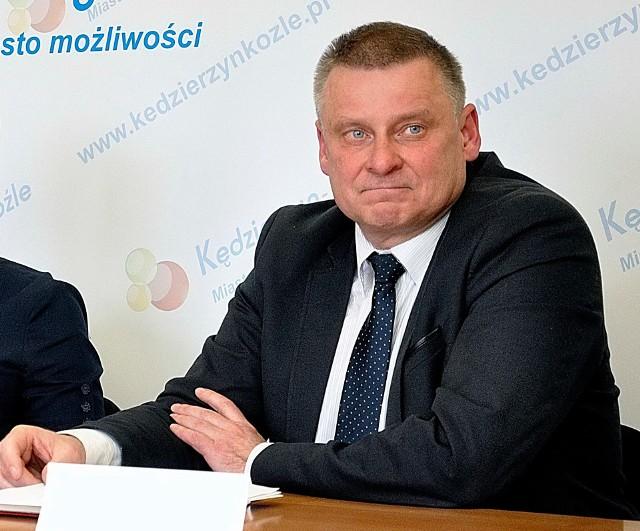 Wiceprezydent Wojciech Jagiełło przekonuje, że w konkursie wygrała najlepsza kandydatka. Rodziców to nie przekonuje.