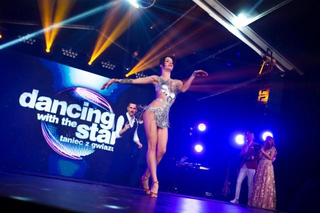 Taniec z Gwiazdami. Poznaj uczestników nowej edycji programu Polsatu na jesień 2021.Zobacz kolejne zdjęcia. Przesuwaj zdjęcia w prawo - naciśnij strzałkę lub przycisk NASTĘPNE