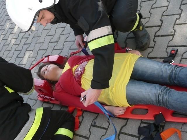 Jednym z elementów akcji była ewakuacja i pomoc poszkodowanym