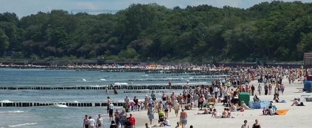 Ostrogi i progi mają rozbijać fale, które nie będą zagrażały plaży. Sama plaża również zostanie powiększona poprzez refulację, czyli nasypanie piasku z dna morza.