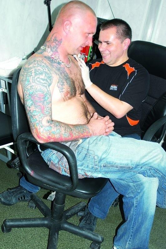 Rośnie Moda Na Tatuaże W Kolejce Trzeba Czekać Tygodniami