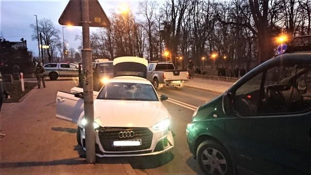 3 marca strażnicy graniczni wytypowali samochód do kontroli drogowej. Jednak jego kierowca zamiast się zatrzymać, zaczął uciekać.