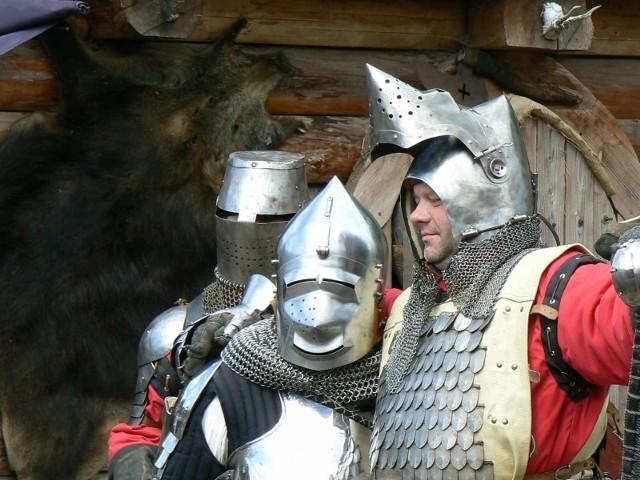 Jarmark Wiejski na Zamku DrahimAtrakcje przygotowano z okazji 891 rocznicy powstania Zakonu Ubogich Rycerzy Komandorii Tempelburg.