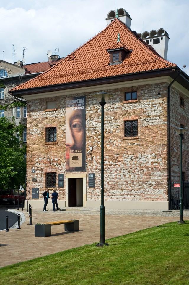 """Ośrodek Kultury Europejskiej """"Europeum"""" – oddział Muzeum Narodowego w Krakowie zlokalizowany przy Placu Sikorskiego 6 w budynku dawnego Starego Spichlerza. Od listopada prezentowane będą w nim prace Stanisława Wyspiańskiego"""