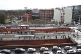 Budowa biurowca PZU na Oławskiej miała ruszyć w poniedziałek. Na budowie tego nie widać (ZOBACZ)
