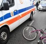 Fiat potrącił rowerzystkę w Pabianicach
