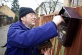 Skrzynki pocztowe jak świeże bułeczki. Mieszkańcy przestraszyli się kar i wyborów korenspondencyjnych?