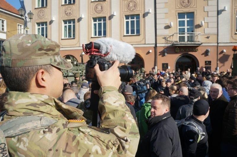 Rynek Kościuszki. Przyjechała US Army