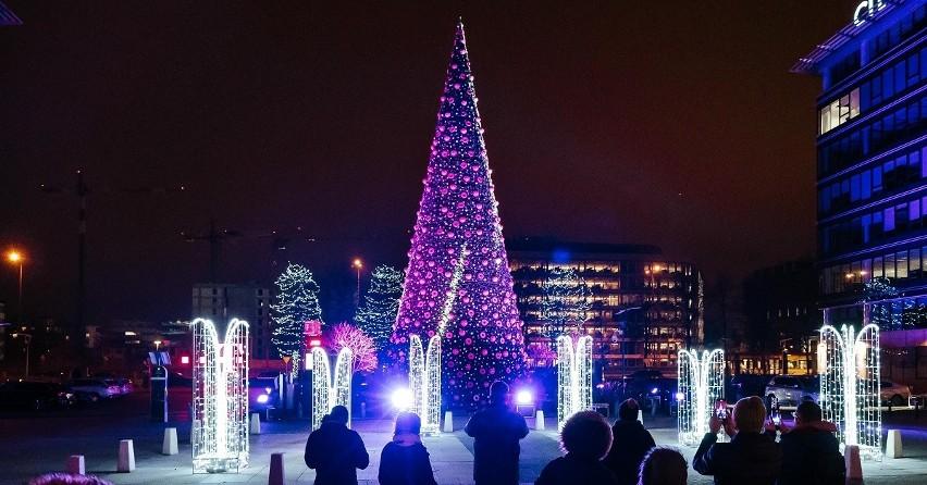 Pracownicy T-Mobile spełniają świąteczne marzenia potrzebujących