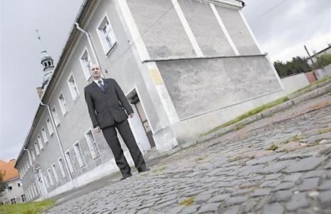 - Sam chciałem podać się do dymisji, ale burmistrz mnie uprzedził - mówi Mariusz Mróz. - Teraz wystartuję w wyborach.