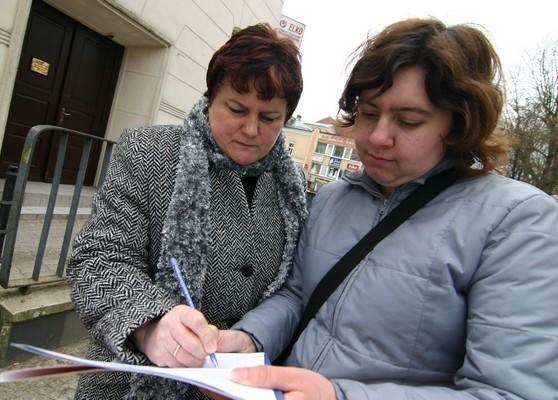 Wolontariusze CIO zbierali podpisy