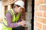 Samowola budowlana – legalizacja w trybie uproszczonym. Jak skorzystać z tej opcji i ile to kosztuje?