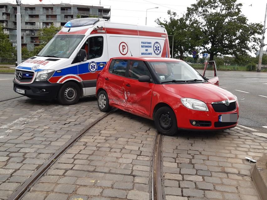 Wrocław: Wypadek przy moście Osobowickim (ZDJĘCIA)