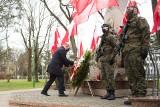 Białystok. Władze województwa i prezydent uczcili pamięć ofiar katyńskich (zdjęcia)