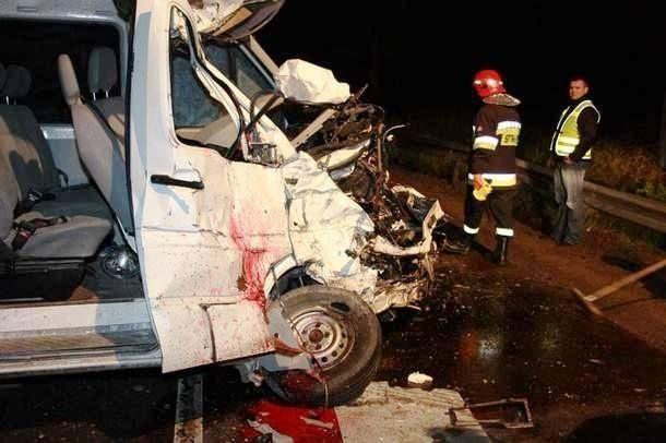 W tym wypadku pod Haćkami (na drodze Białystok - Bielsk Podlaski) zginęły trzy młode osoby.