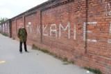 Stanisław Kuczorski, autor solidarnościowych haseł ze zburzonego muru Tormięsu pisze: Oskarżam!