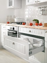 Akcesoria do mebli kuchennych ułatwiające korzystanie ze sprzętów (ZDJĘCIA)