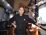 Klimatyczna mała restauracyjka ,,Zorbas'' w Międzyrzeczu to już przeszłość. Właściciele, Grek Teo i jego żona Małgorzata, wracają pod Olimp