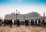 Włochy: gigantyczne statki wycieczkowe mają zakaz wpływania do centrum Wenecji
