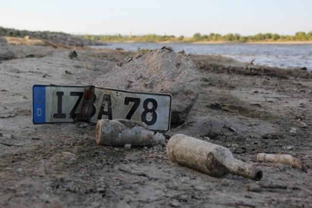 Rekordowo niski stan wody w Wiśle w okolicy Tczewa