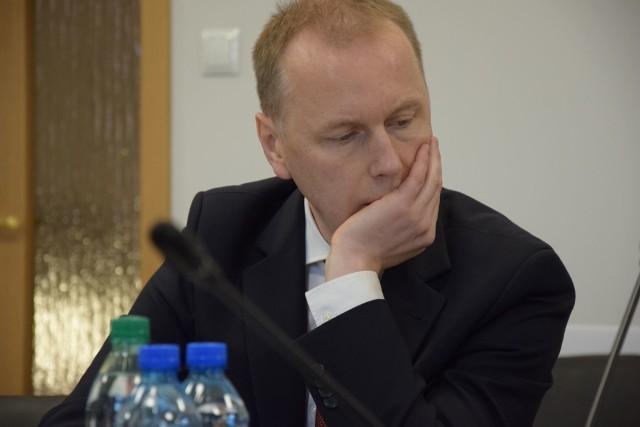 Sesja rady miejskiej odbyła się 26 marca po zamknięciu urzędu. Radni siedzieli z daleka od siebie. Nie było obecnych naczelników wydziałów urzędu, ani innych zaproszonych gości. (Zdjęcie ilustracyjne)